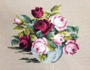 1127 DT  Rosen in Vase  35x27 cm